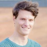 Coen Nuijten van C-Generations vertelt over het proces voor zijn boekontwerp door NOBLY Authentieke Communicatie & Creatie